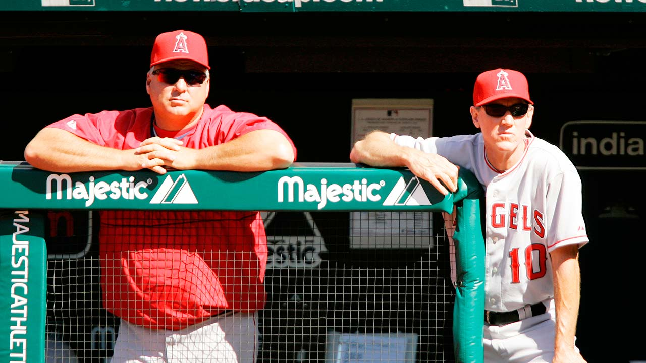 Back in Anaheim, Roenicke finds fit with Angels